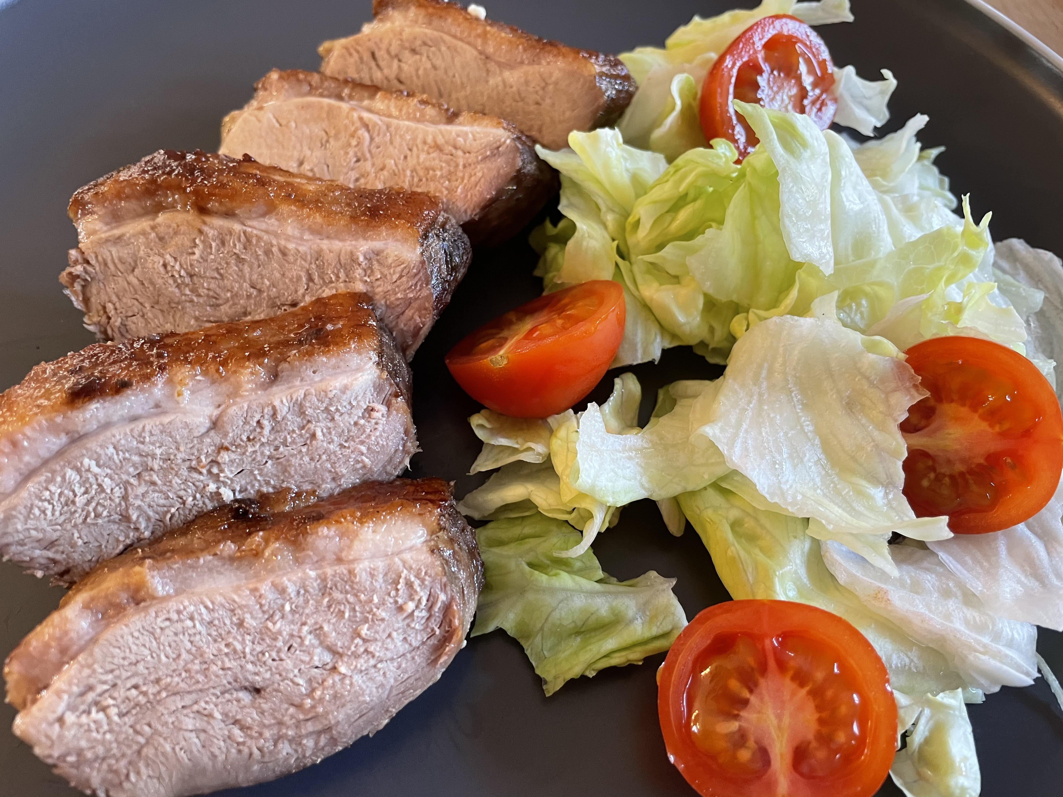 Omlós kacsamell salátával